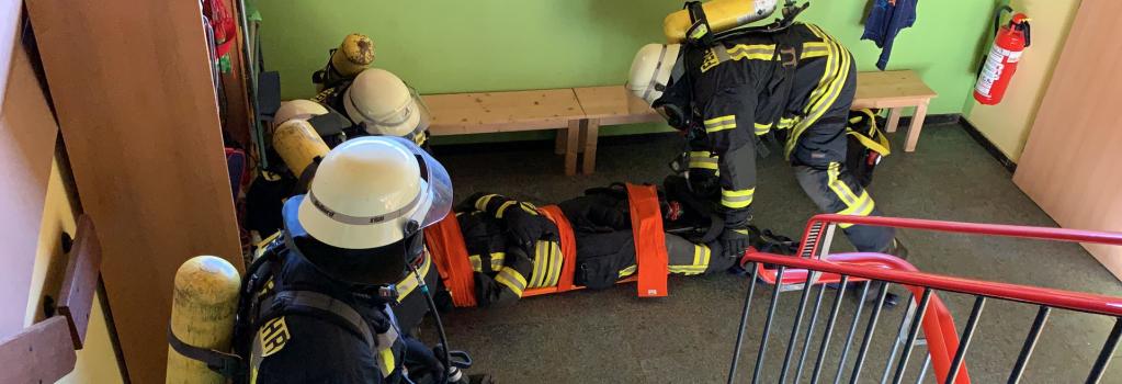 feuerwehr vg lambrecht  » training der atemschutz notfall